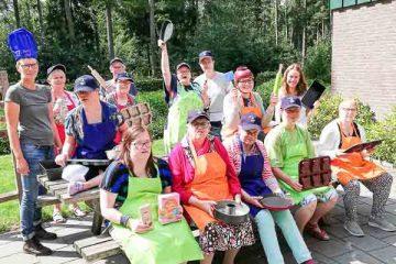 Op vakantie met heel Ommen Bakt voor mensen met een handicap. Adios Reizen is een reisorganisatie voor mensen met een handicap die niet zelfstandig op vakantie kunnen.