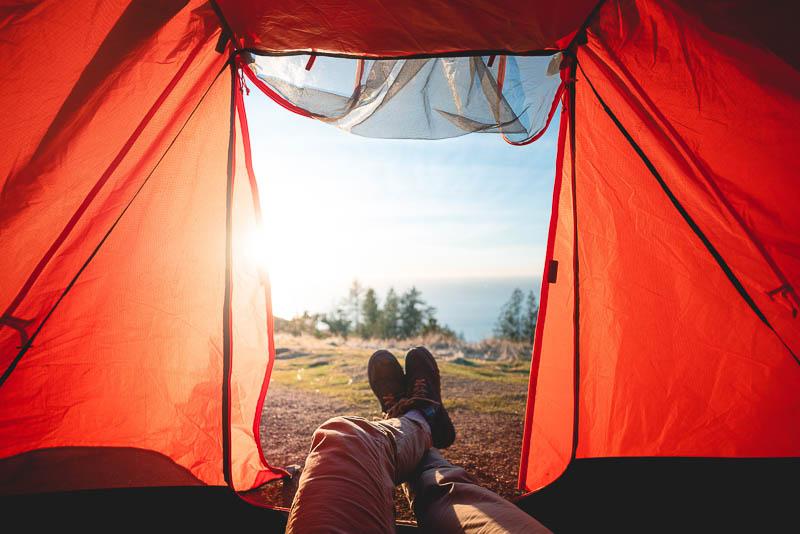 Op vakantie kamperen in Zwarte Woud, voor mensen met een handicap. Adios Reizen is een reisorganisatie voor mensen met een handicap die niet zelfstandig op vakantie kunnen.